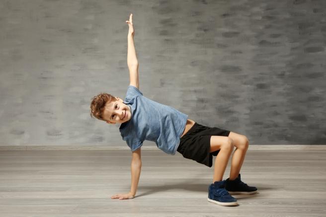 Los niños necesitan moverse para estimular sus cerebros